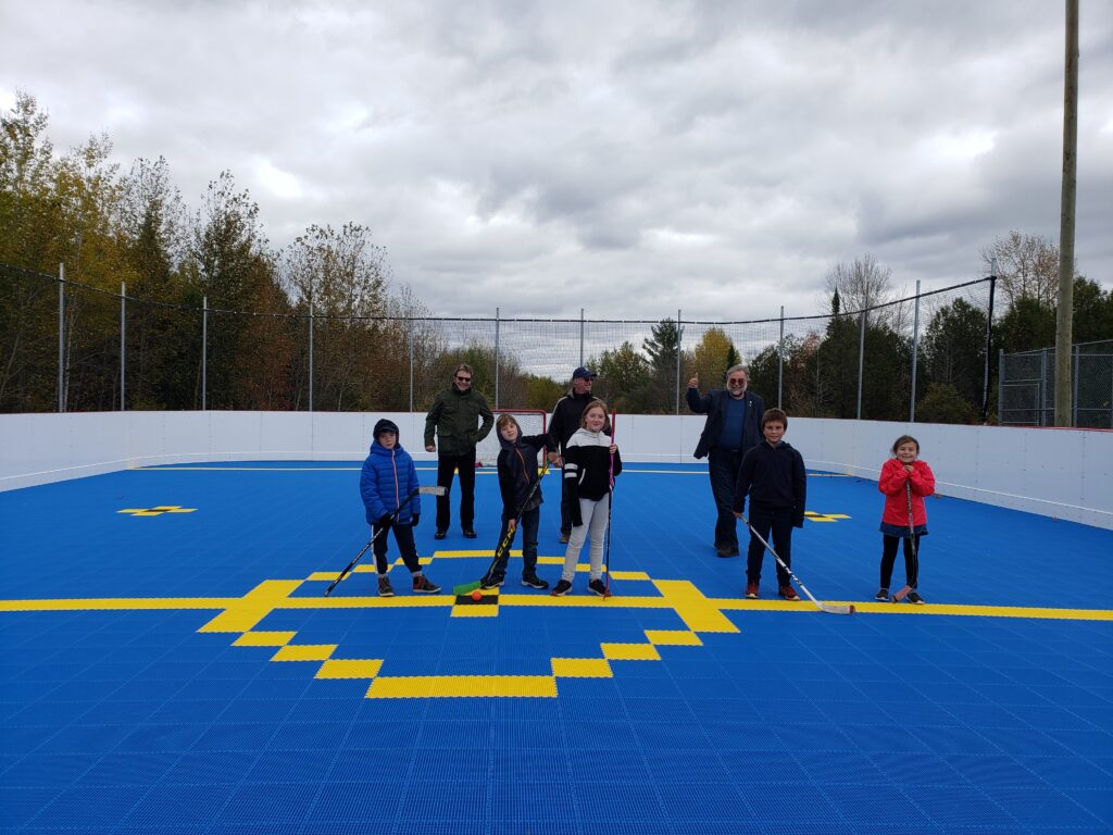 Inauguration du dek hockey à Weedon